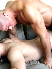 Muscle Fuck: Sean Costin FUCKS Bobby Effy (Part 2)